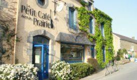 Le Petit Cafe Dans la Prairie